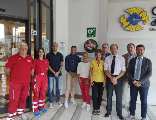 Sicurezza e salute: la Cassa Rurale Dolomiti dota le proprie filiali di un defibrillatore di pubblico utilizzo. Tre quelli già attivi in provincia di Belluno: a Feltre, Falcade e Bribano di Sedico.