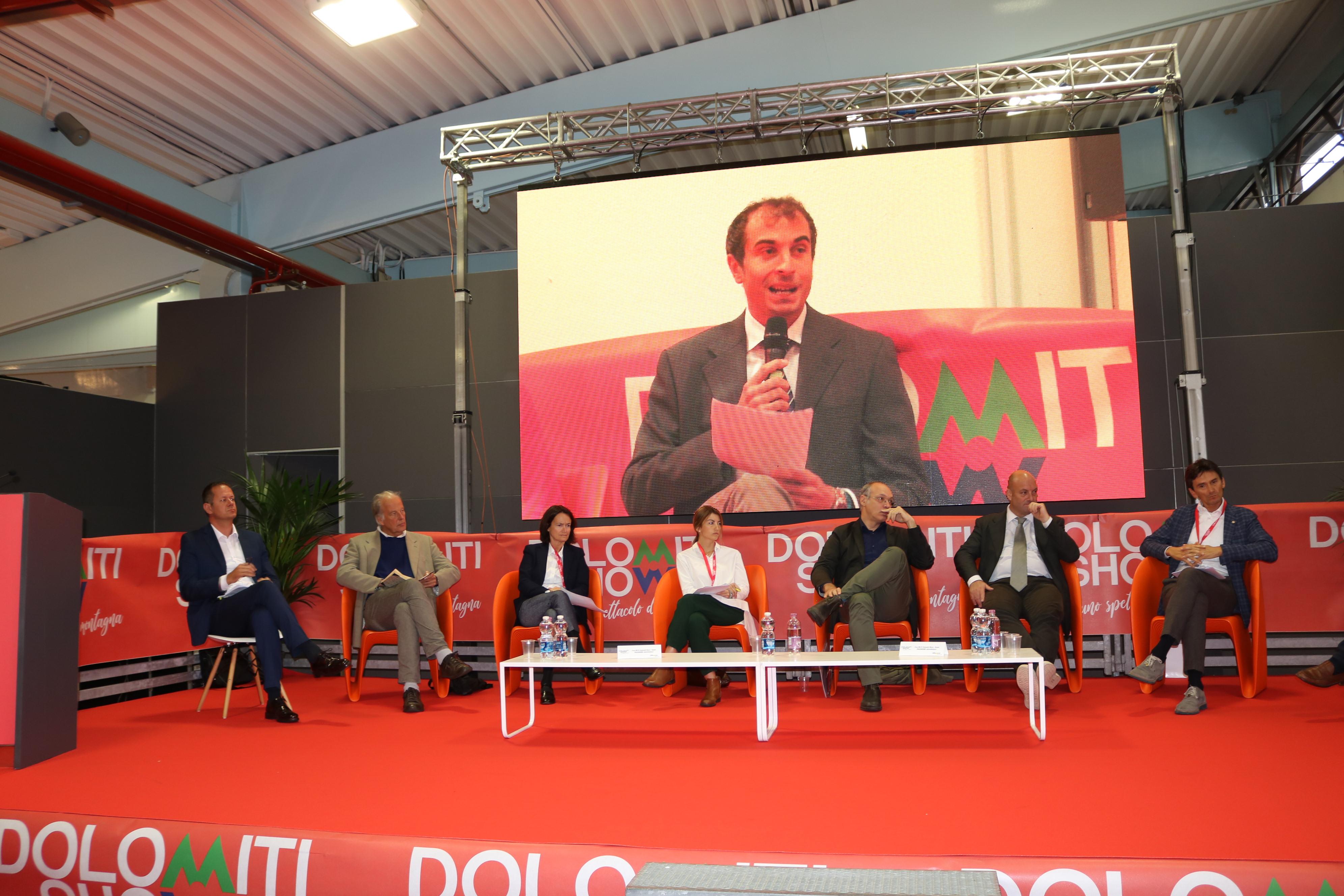 """Cicloturismo e mobilità sostenibile: a """"Dolomiti Show"""" gli """"Stati generali"""""""
